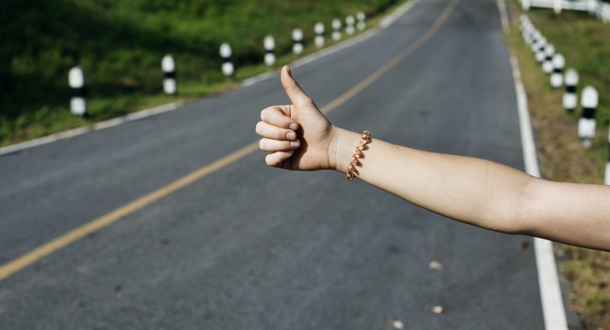 Na wakacje autostopem?